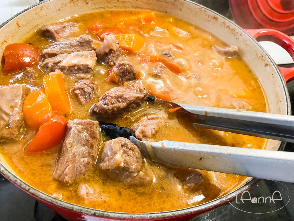 [小學生便當]無水蕃茄牛肉 配飯配麵都好吃 菜鳥煮婦也能輕鬆上手
